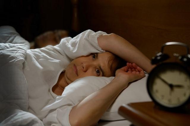 Rối loạn giấc ngủ diễn ra nhiều sẽ khiến sức khỏe phụ nữ suy giảm và kém sắc