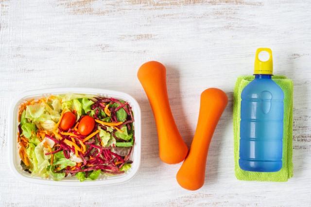 Chế độ dinh dưỡng đầy đủ với rèn luyện thể dục thường xuyên hỗ trợ giảm các triệu chứng tiền mãn kinh